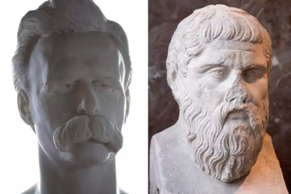 Illustration - REPAS DE FÊTE : PLATON PAR NIETZSCHE Au moment où il publie Généalogie de la morale (1887), Friedrich Nietzsche (1844-1900) écrit à son ami de collège Paul Deussen : « Peut-être ce vieux Platon est-il vraiment mon grand adversaire ? Mais comme je suis fier d'avoir un tel adversaire ! » Car Platon (428-348 av. J.-C.), pour lui, n'est pas un ennemi à proprement parler. Plutôt un immense modèle à fuir, un grand frère à combattre. A condition d'avoir finement scruté sa puissance et ses dérives, et pris la mesure du danger, autant que du génie, de cette œuvre sans égale. C'est ce qu'a fait, à l'université de Bâle, quinze ans plus tôt, un Nietzsche de 27 ans. Le plus jeune professeur jamais titularisé en ces lieux a consacré plusieurs fois son cours, de 1871 à 1878, à une introduction à la lecture de Platon. Ses cahiers ont été conservés. Les voici traduits, pour la première fois, à partir des manuscrits autographes. Cette publication inaugure la collection complète, en douze volumes, des Ecrits philologiques de Nietzsche. Ces travaux érudits d'un savant précoce – souvent méconnus, parfois inaccessibles depuis longtemps, ou carrément inédits – sont une mine de surprises. Article réservé à nos abonnés Lire aussi « La Philosophie antique. Essai d'histoire », de Pierre Vesperini : la chronique « philosophie » de Roger-Pol Droit On découvrira dans ce volume les débuts du grand affrontement de Nietzsche et de Platon, qui donne son axe central à la modernité, et constitue peut-être la clôture de la philosophie. Arrivé à maturité, le « philosophe au marteau » verra en Platon une sorte de chrétien avant l'heure, taxera le christianisme de « platonisme pour le peuple » et englobera les deux dans une même « haine mortelle ». A Bâle, avec ses étudiants, le professeur de philologie attaque sous un autre angle, plus subtil. « Croire qu'on possède la vérité rend fanatique », enseigne le jeune Nietzsche En exergue au manuscrit de ce cours, trois mots de latin, écrits très