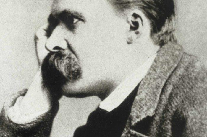 Nietzsche brise entièrement le sérieux